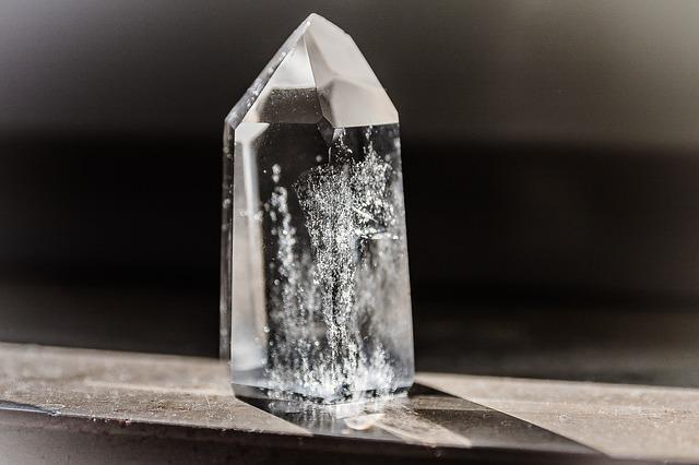 crystal-1685590_640